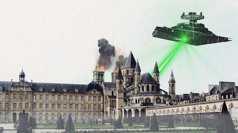 la mairie de Caen survolée par l'étoile noire et un destroyer impérial (Star Wars, la guerre des étoiles) avec l'hotel de ville, l'abbatiale Saint-Étienne de Caen, l'abbaye aux hommes